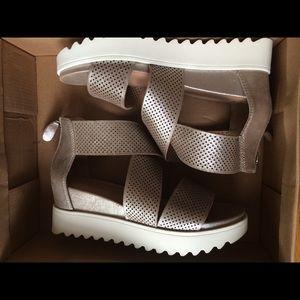 Steve Madden Birkenstock sandals 6.5 metallic
